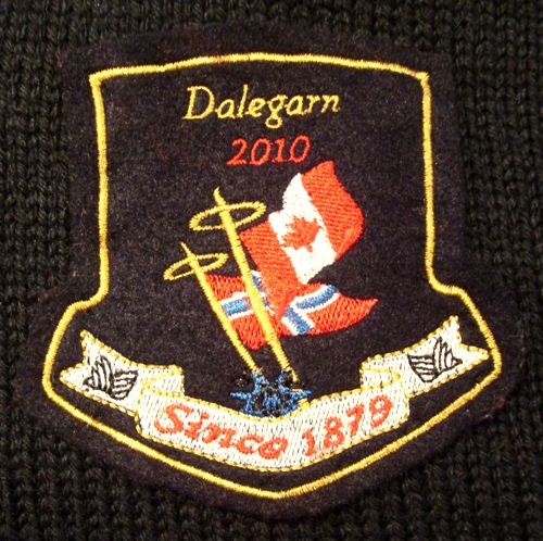 2010-sweater-0121