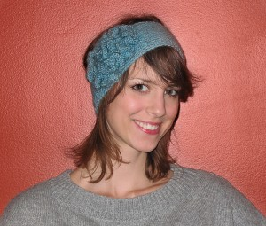 knitted_earwarmer_with_flower_medium2